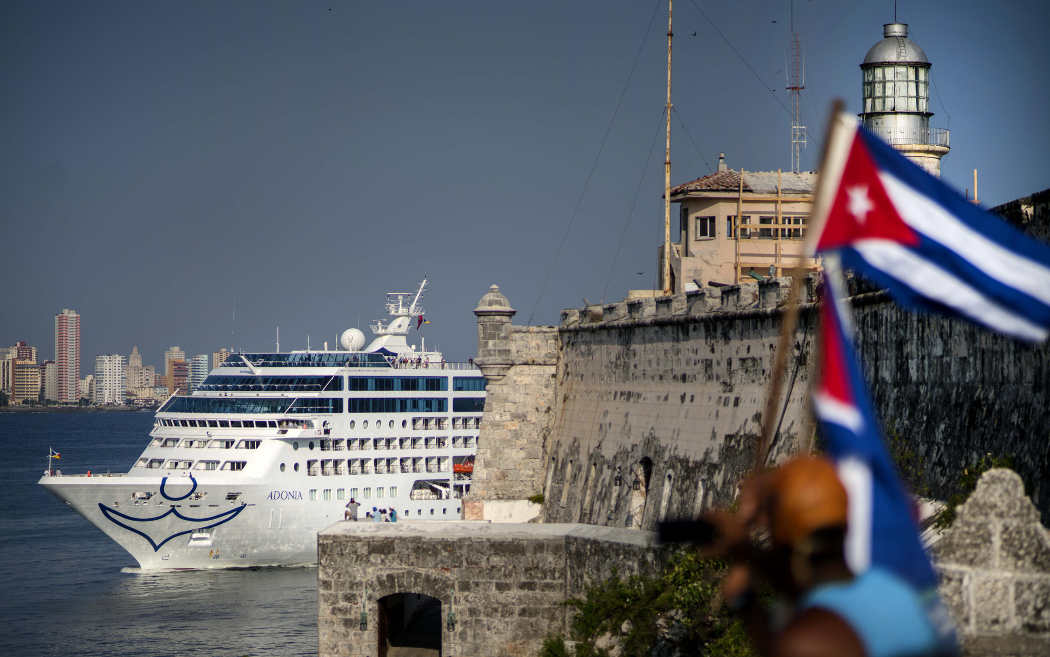 Cruiser arrivals to Cuba increase.