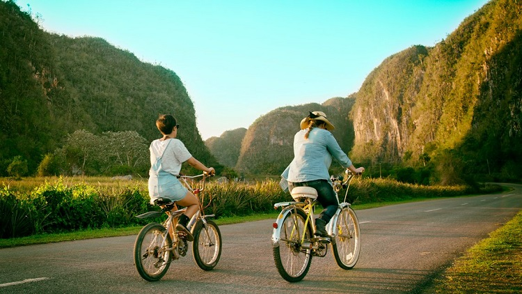 Bicycle tour through Viñales Valley, Pinar del Río, Cuba